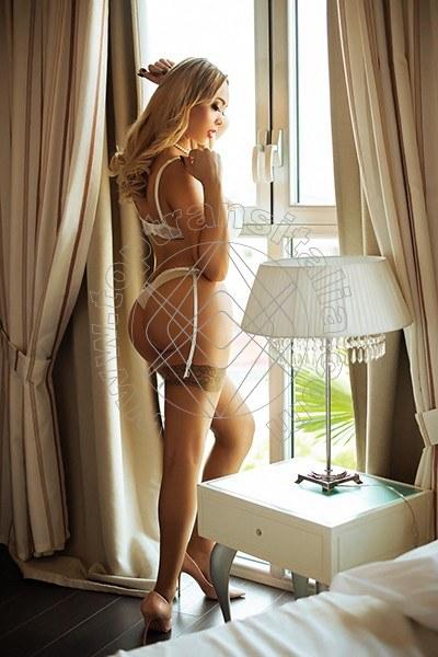 Camilla Big Tits Blond MILANO 3889078983